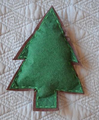 árbol / pino de fieltro para móvil cuna