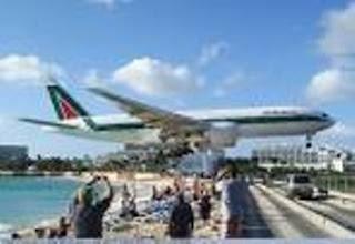 7 Bandara Terunik Di Dunia
