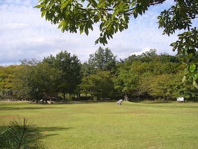 京都府・けいはんな記念公園 芝生広場