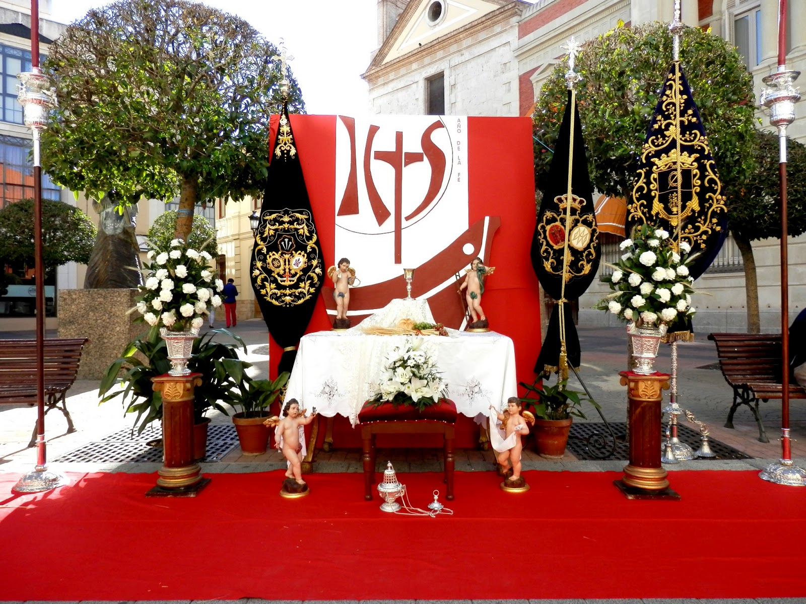 Decoracion Altar Para La Virgen ~ de la Parroquia de Santa Mar?a del Prado(Merced), en la Plaza de la