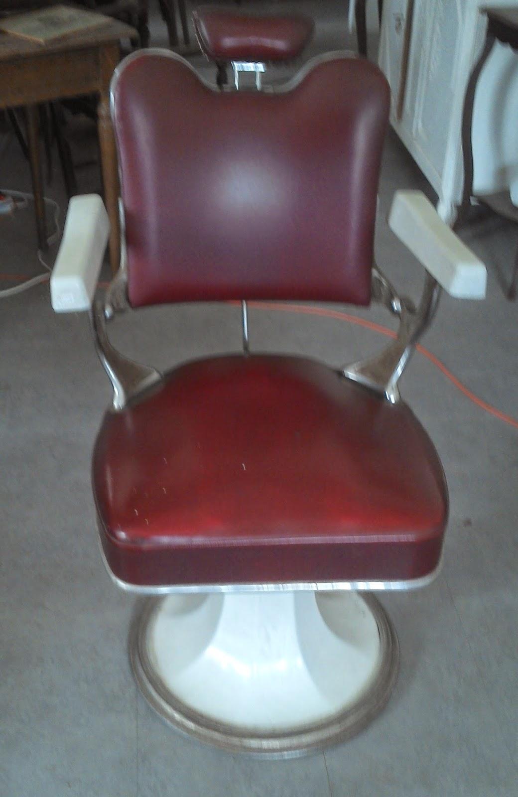 ancien fauteuil barbier coiffeur design atelier loft industriel cuir rouge email ebay. Black Bedroom Furniture Sets. Home Design Ideas