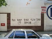 NOCHE DE PAZ. No hay paz. sin dar amor. Foto: Lourdes Lavaque
