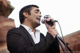 Nick Urata, vocalista do DeVotchka
