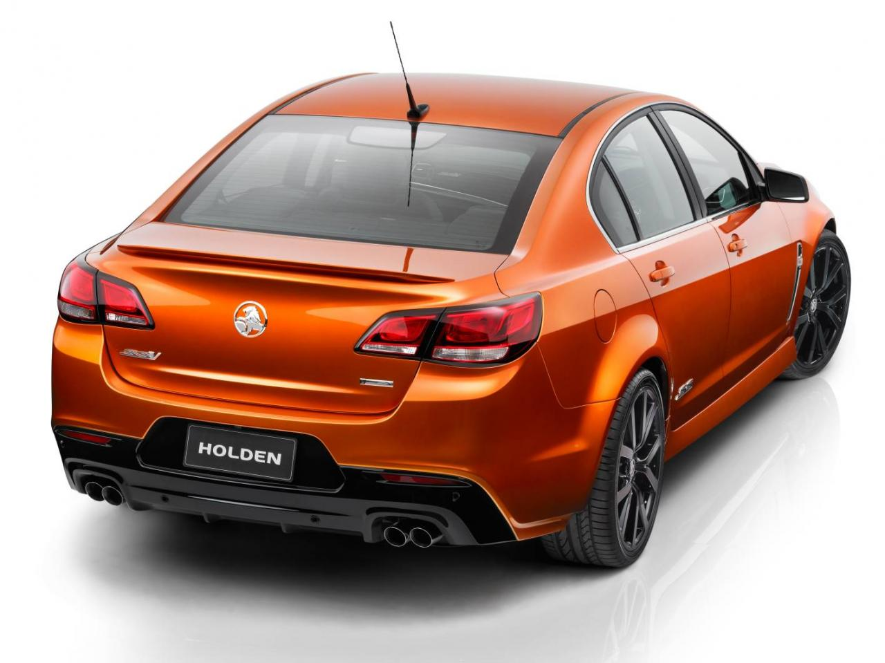[Resim: Holden+VF+Commodore+SS+V+2.jpg]