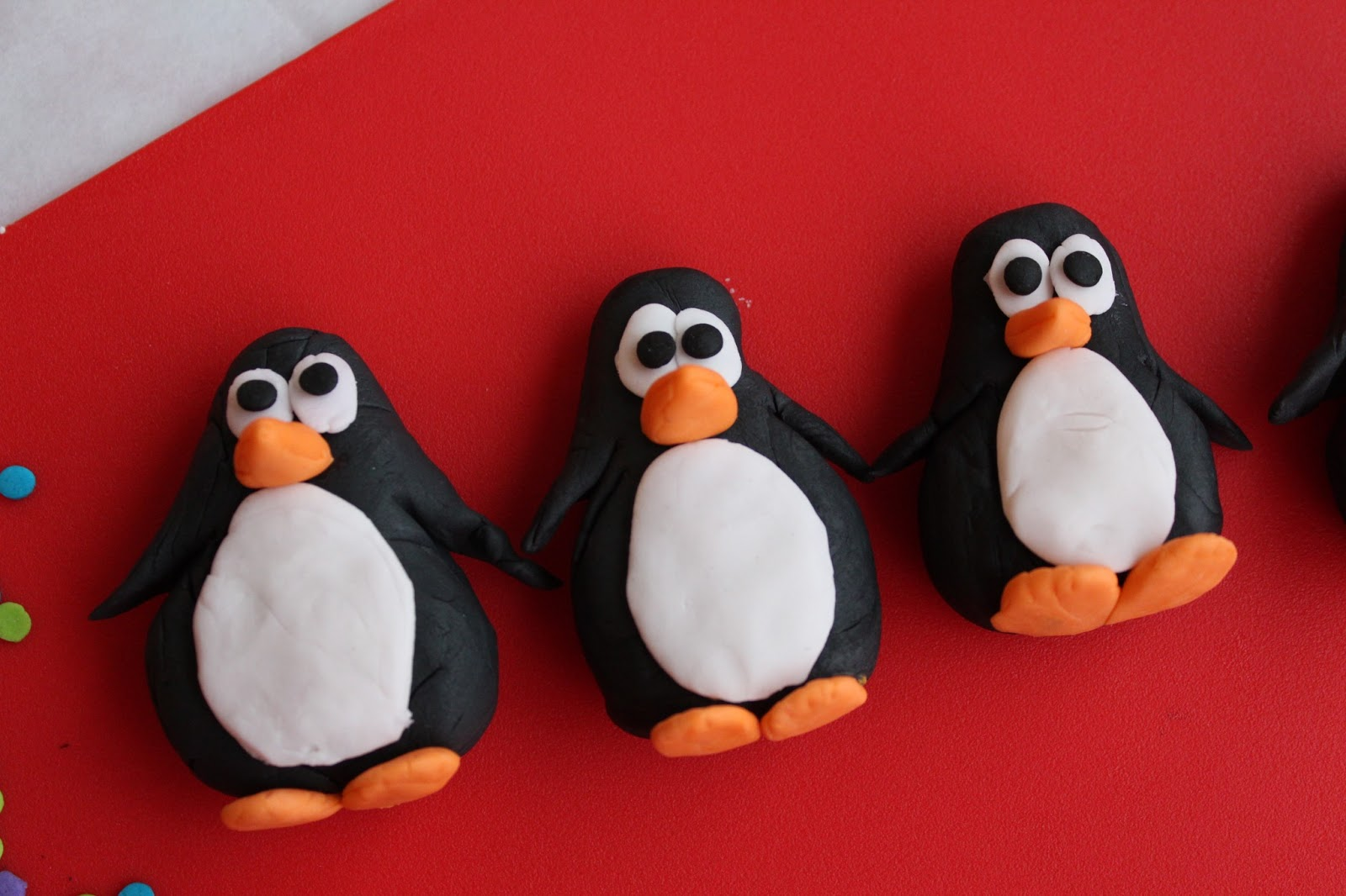 picture How to Make Sugar Paste Penguins