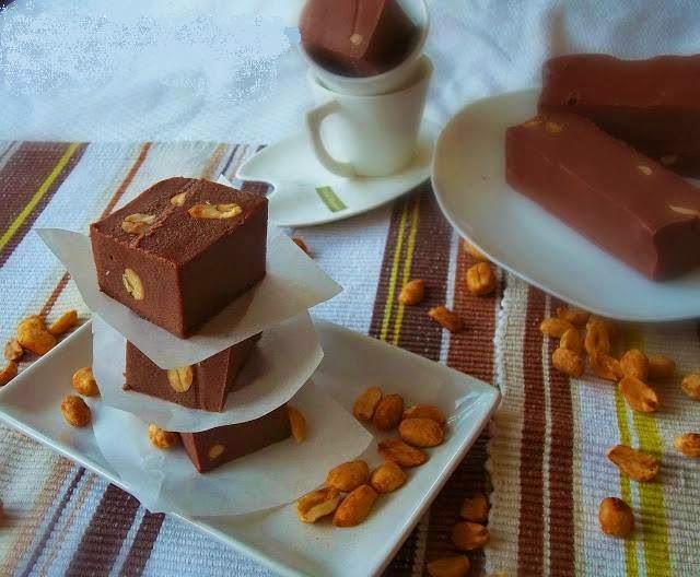 Chocolat maison aux cacahuètes