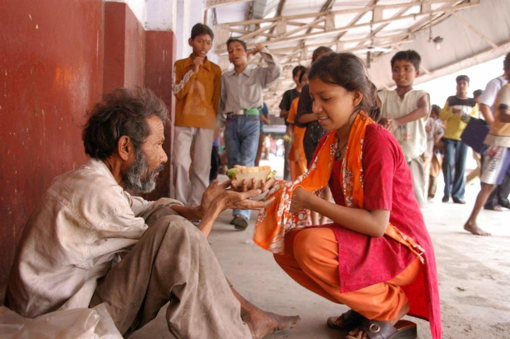 Belles images d'altruisme Caring+for+poor