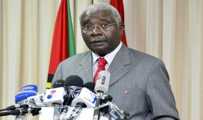 Moçambique: Armando Guebuza rebate críticas sobre elevado custo das presidências abertas