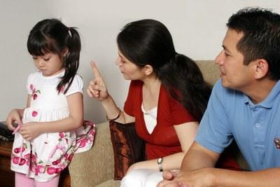 orang tua juga wajib aktif membentuk mental anak agar selalu berkata dan berlaku jujur