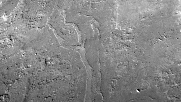 Gigantescas cuencas  en Marte
