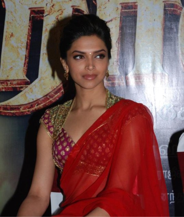 indian-desi-cine-actress-movie-celebrity-filmstar-deepika-padukone-rajni-film-rana-press-meet