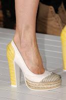 Затворени обувки на висок ток с подчертана муцунка на Tommy Hilfiger