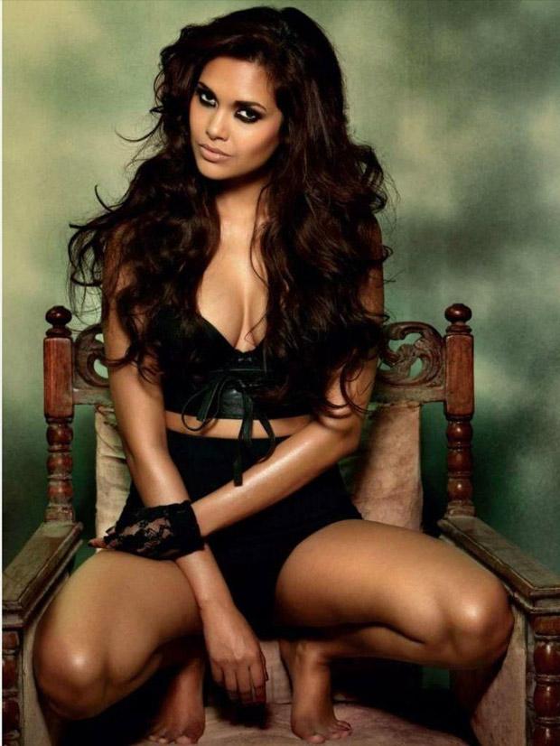 Esha Gupta latest photo shoot