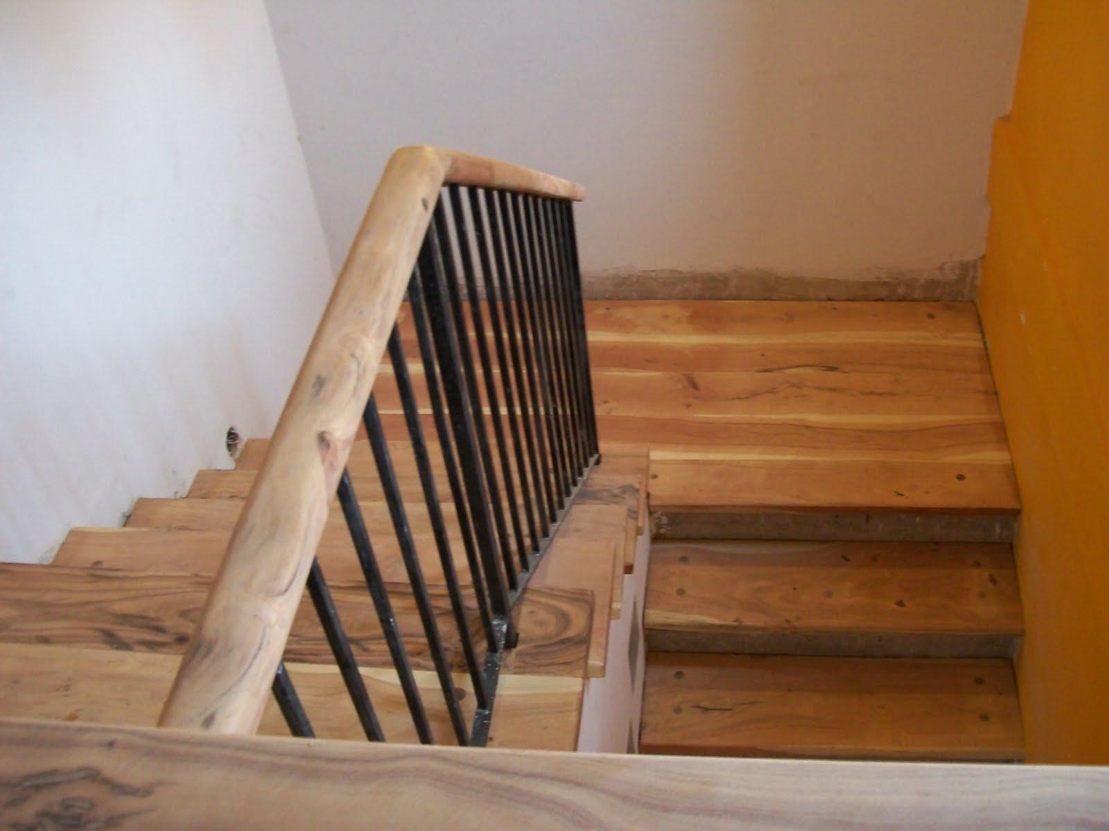 Nuestro quebracho escaleras combinadas con hierro for Fabrica de escaleras de madera