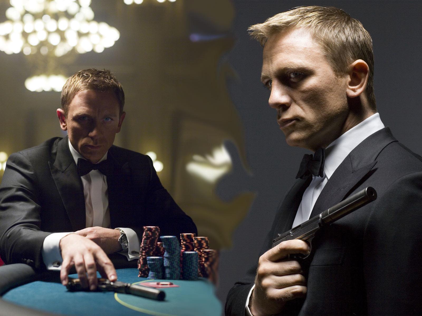 http://2.bp.blogspot.com/-7jQ_THpxSJk/UKaCNk4PDnI/AAAAAAAAAcA/H6KVBkU-flM/s1600/Daniel_Craig-James-Bond.jpg