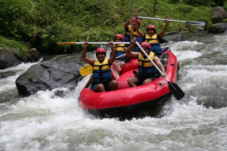 http://2.bp.blogspot.com/-7jXs9cOVjXw/UPzmaXjYCNI/AAAAAAAABDs/iDTMZbxARKw/s1600/ayung-rafting.jpg