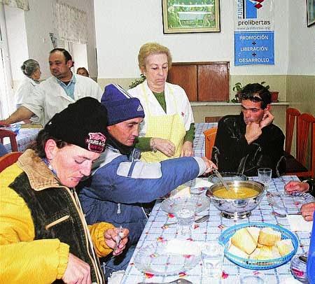 Solidaridad con el comedor social de los trinitarios - Comedor social de triana ...