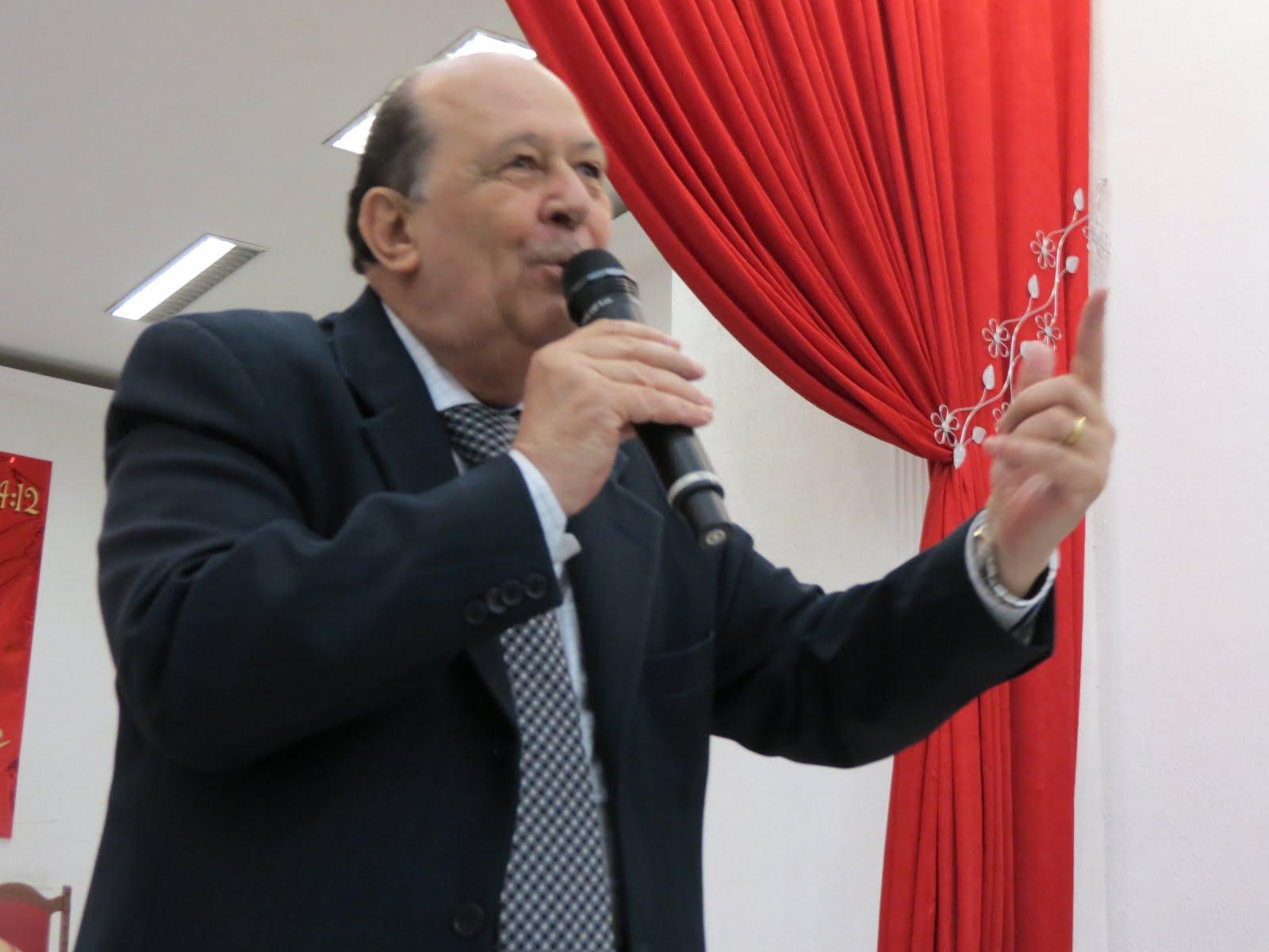 Pastor Delfino Brunelli Júnior