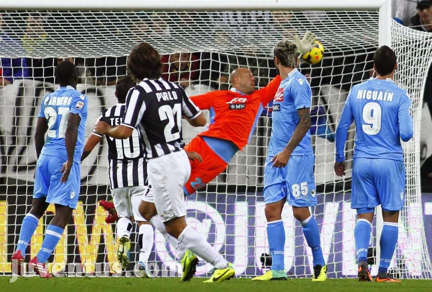 Risultati immagini per andrea pirlo goal Juventus Napoli 2013