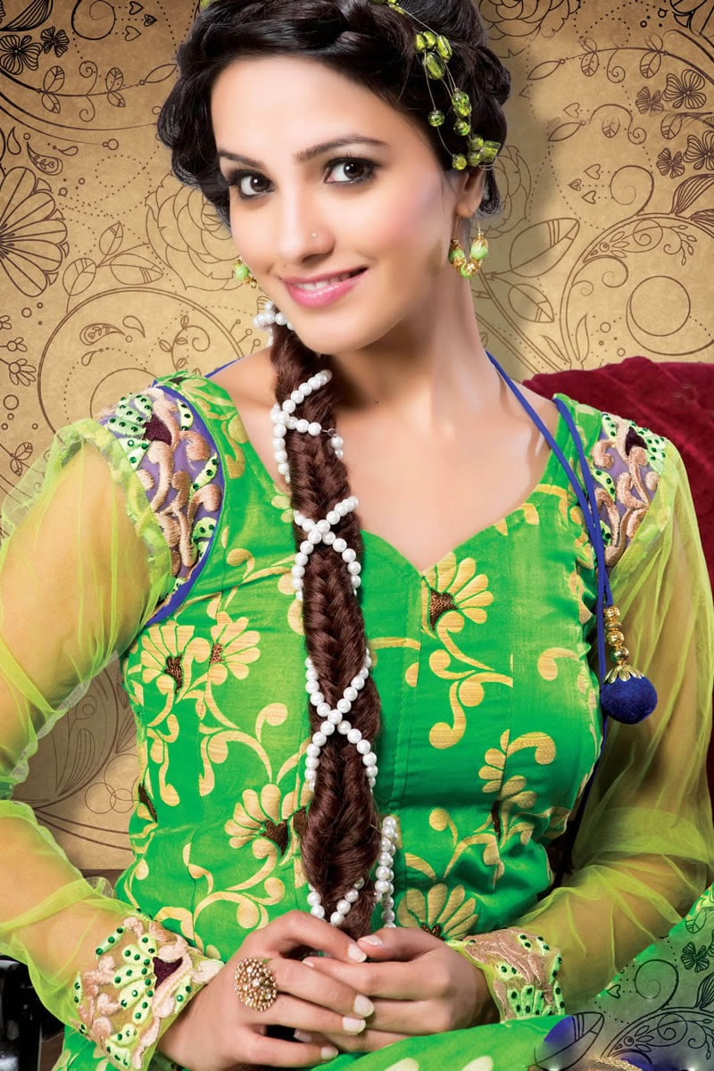 Anita Hassanandani Wallpapers Free Download