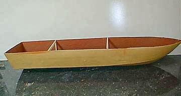 modelo barco de papel que flote en el agua