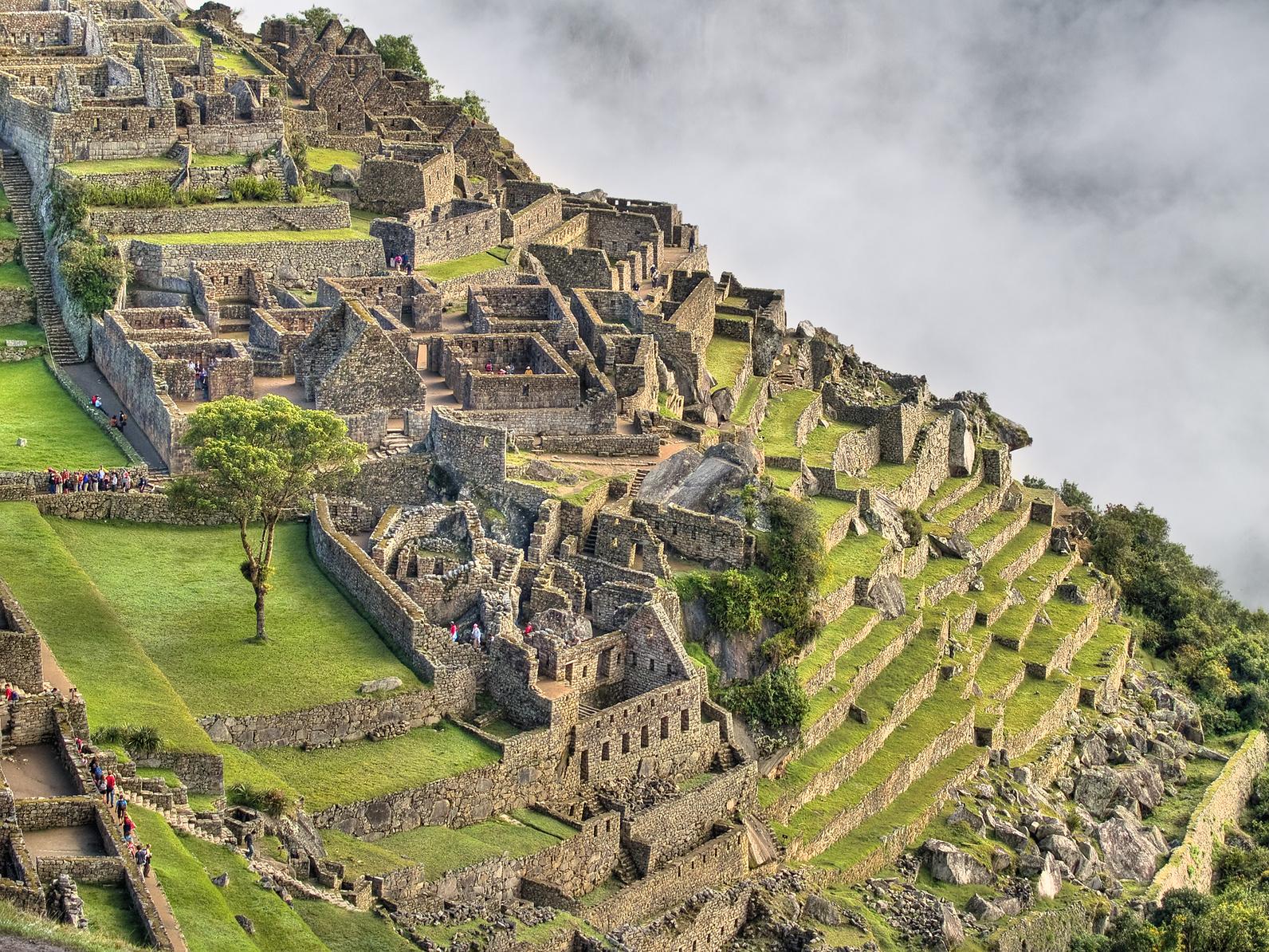 """مدينة ماتشو بيتشو """"الحديقة المعلقة"""" مدينة الإنكا المفقودة فوق السحاب machu-picchu"""