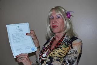 Marcelly Malta Schwarzbold, 60 anos, conquista mudança de nome na certidão de nascimento (Foto: Arquivo)