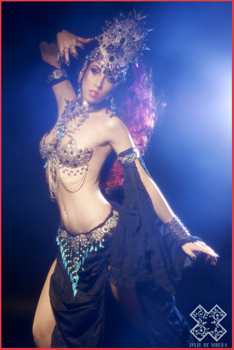 Akasha Reine des damnés Vampire Egypte Bijou Bijoux Egyptiens Armure Danseuse Orientale Queen of the damned Egyptian Mystic Gothic BelllyDance Belly Dance Vampyr Night Goddess Ancient Egypt Jewelry Armour Bra