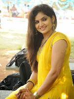 New Actress Noorjahan Photos in Yellow-cover-photo