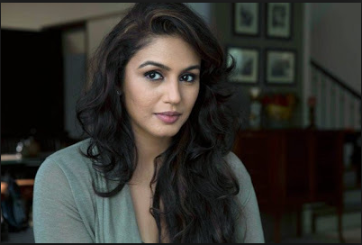 Hot Actress Huma Qureshi Wallpapers