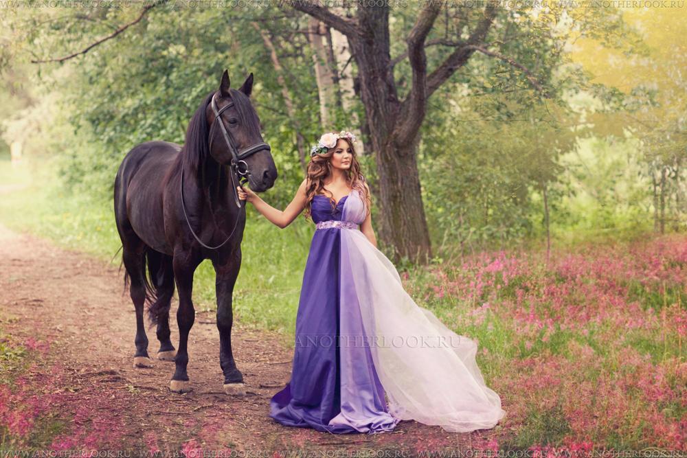 Фото в платьях на лошадях 121