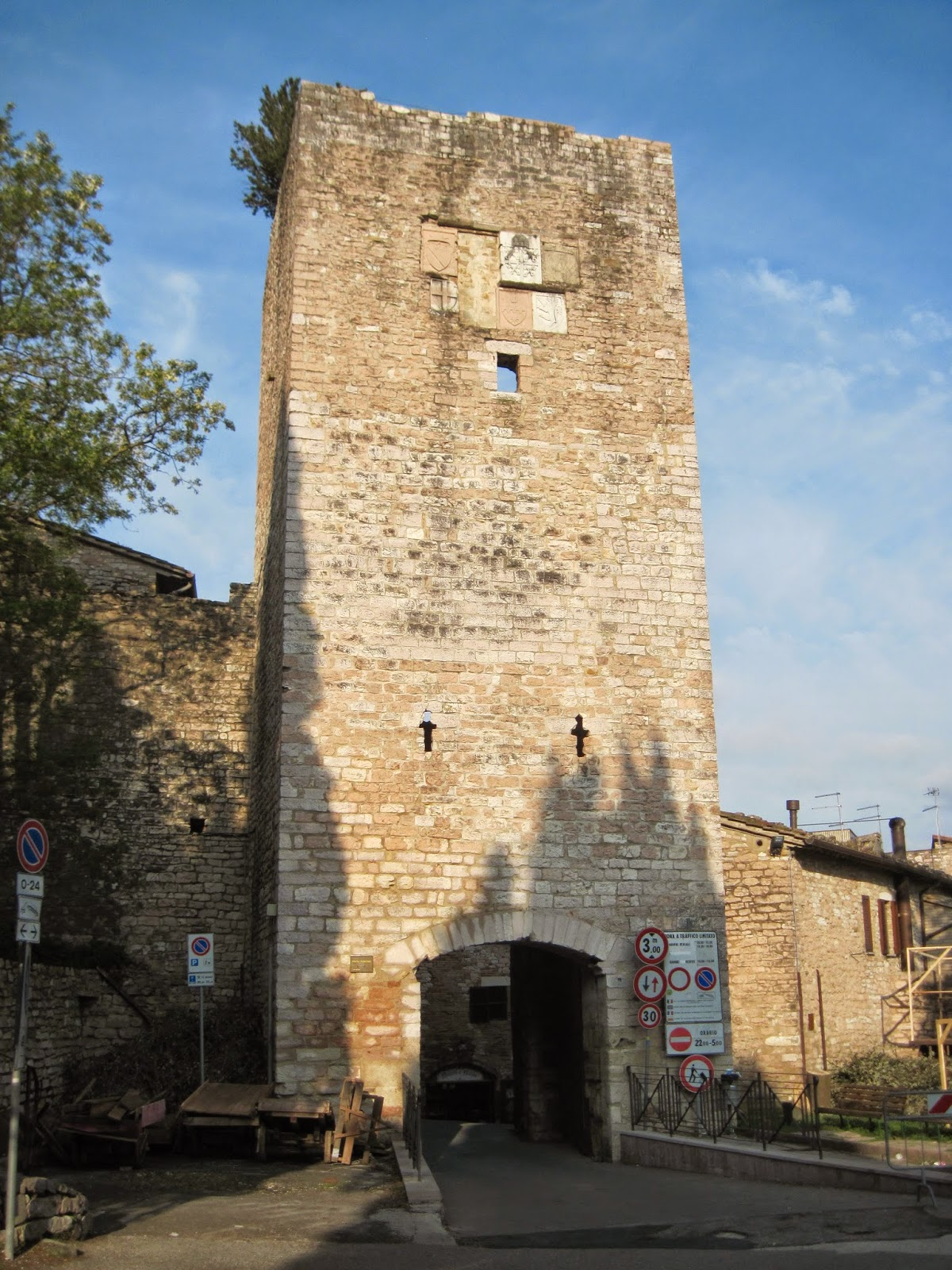 Peace of tau assisi gates - Porta san giacomo assisi ...