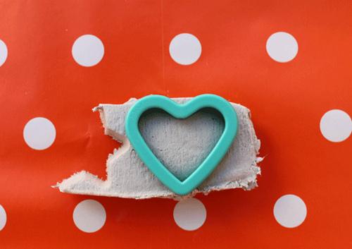 Corazón con pasta blanca en Recicla Inventa