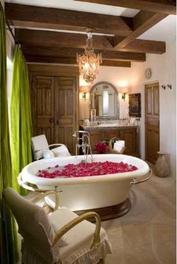 To Da Loos Suzanne Somers Palm Springs Home S Romantic Bathrooms