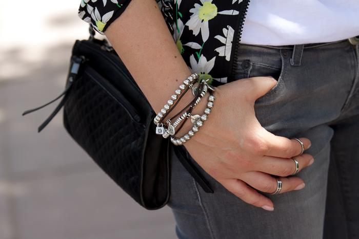Accesorios plata y bolso de cuero acolchado mini de Zara