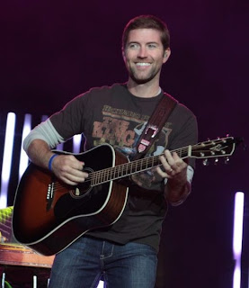 Photo of Josh Turner