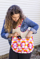 http://www.robertkaufman.com/quilting/quilts_patterns/go_anywhere_bag/