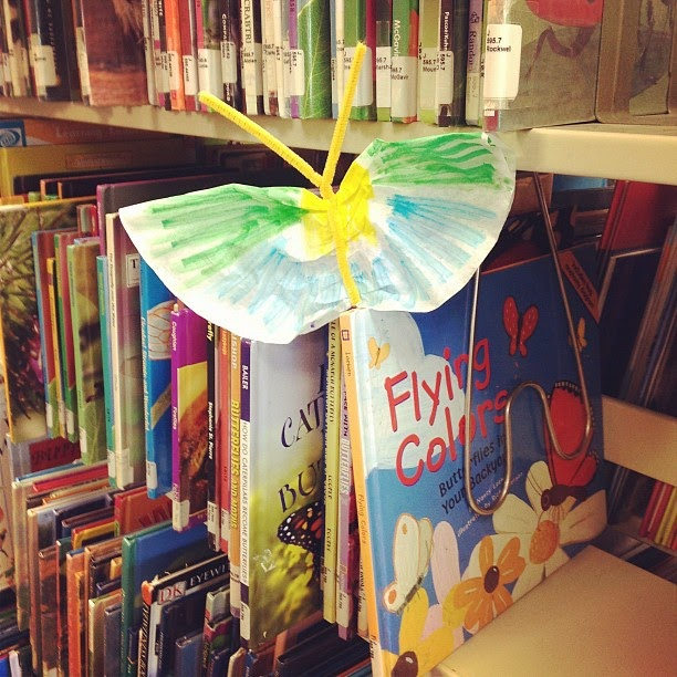 the show me librarian easy spring craft butterflies