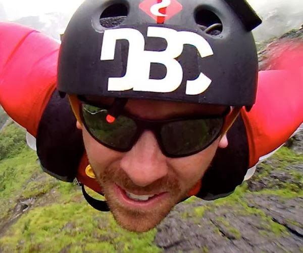 VIDEO: LIVN 3 - WINGSUIT FLYING WITH DBC