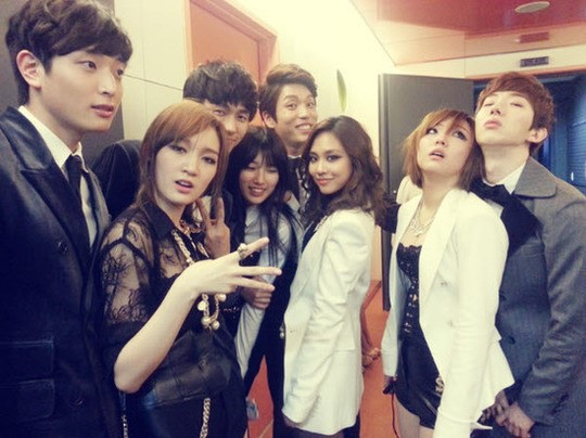 2AM & Miss A Foto Grup