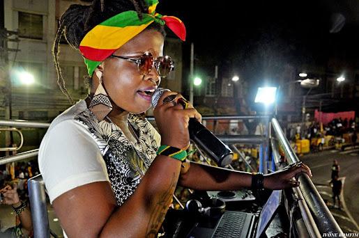Trio Elas Cantam Reggae em Salvador - Carnaval 2018