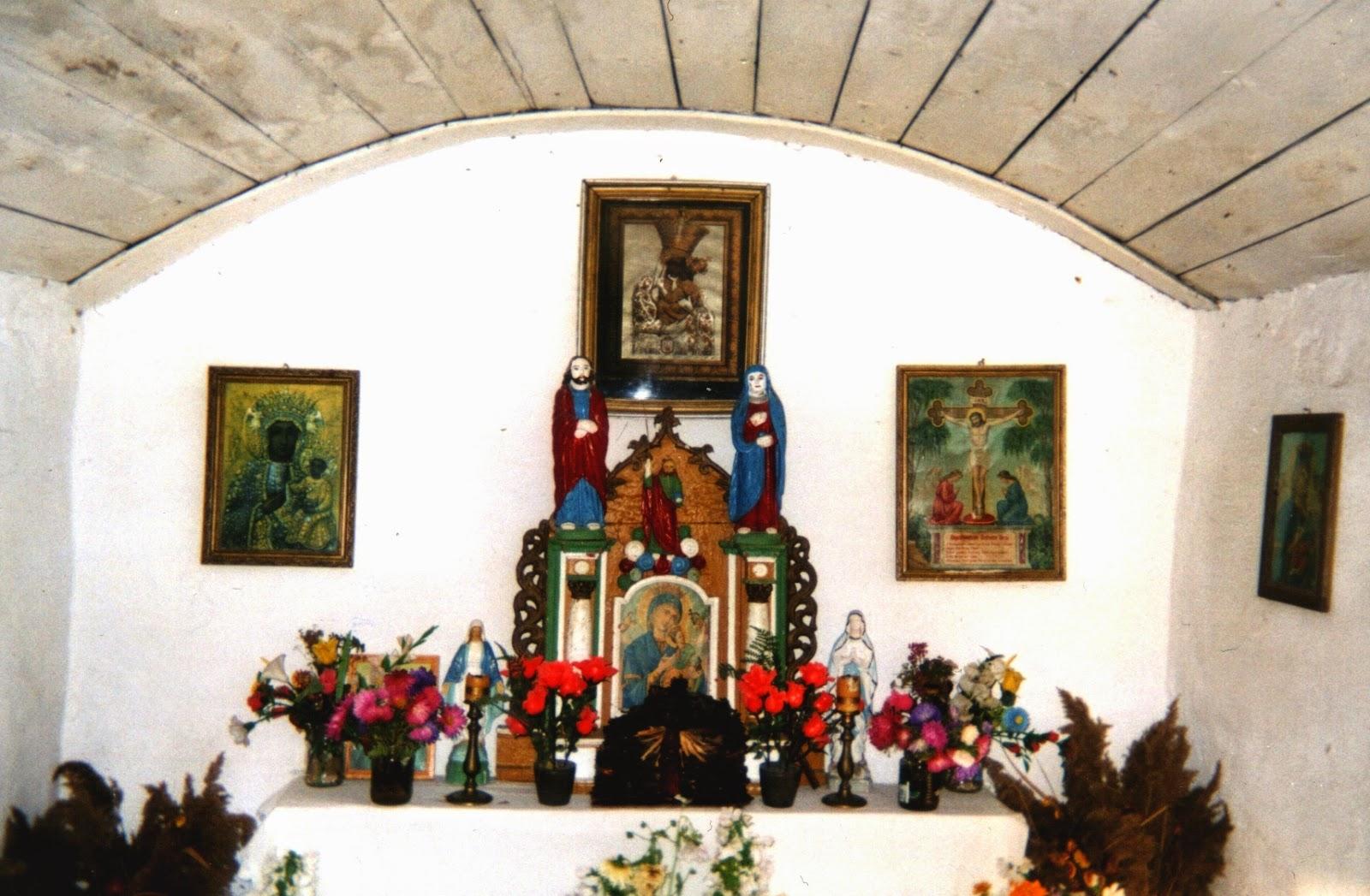 wnętrze kapliczki