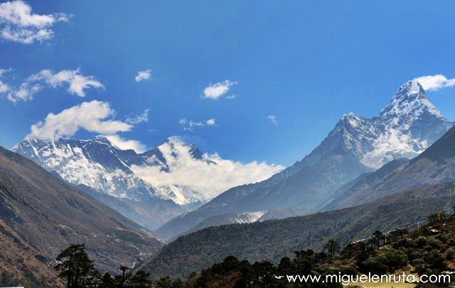Ama-dablam-Lhotse-Nuptse-Everest-desde-Tengboche