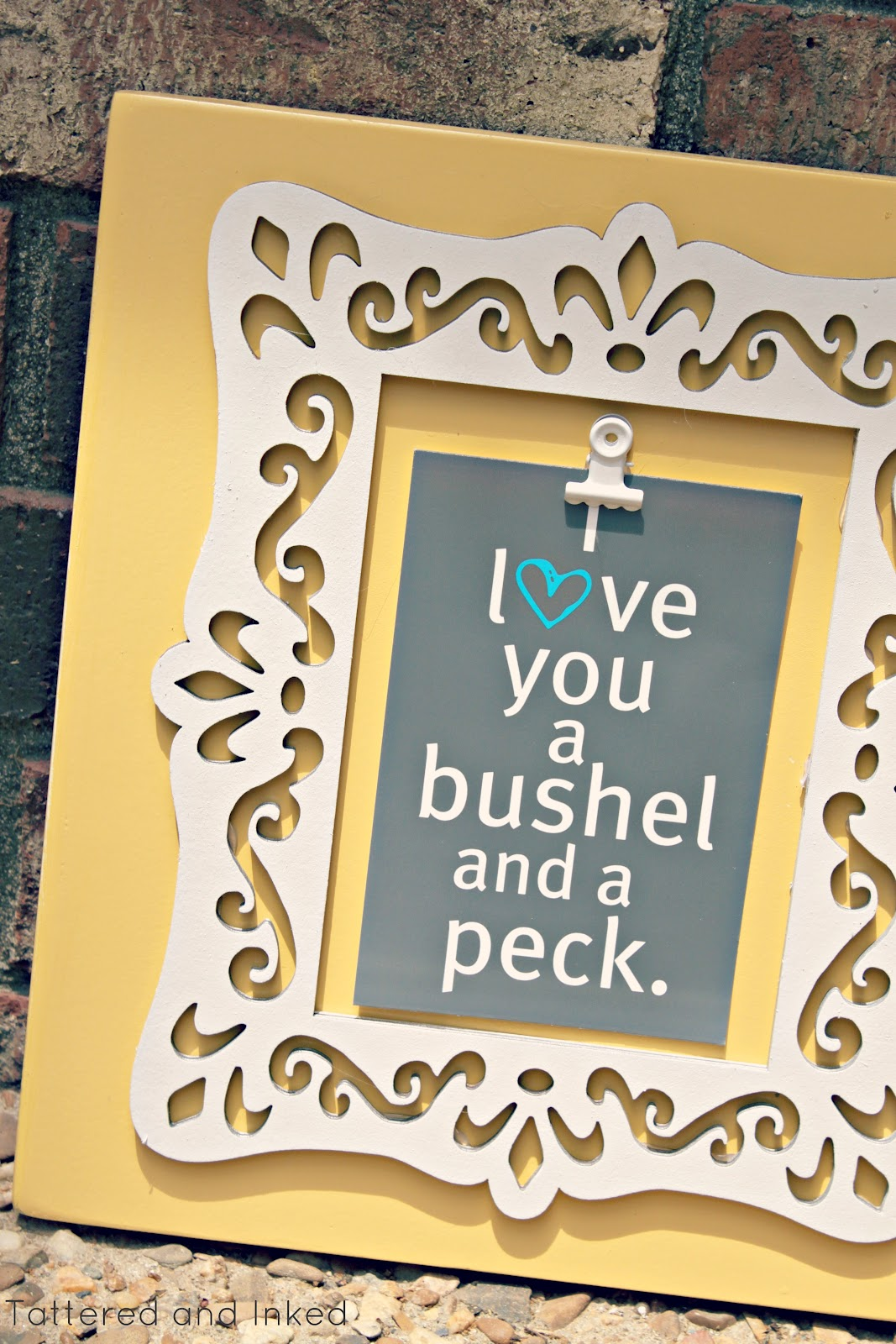 Tattered and Inked: 20 Minute Gorgeous Cut-out Frame!