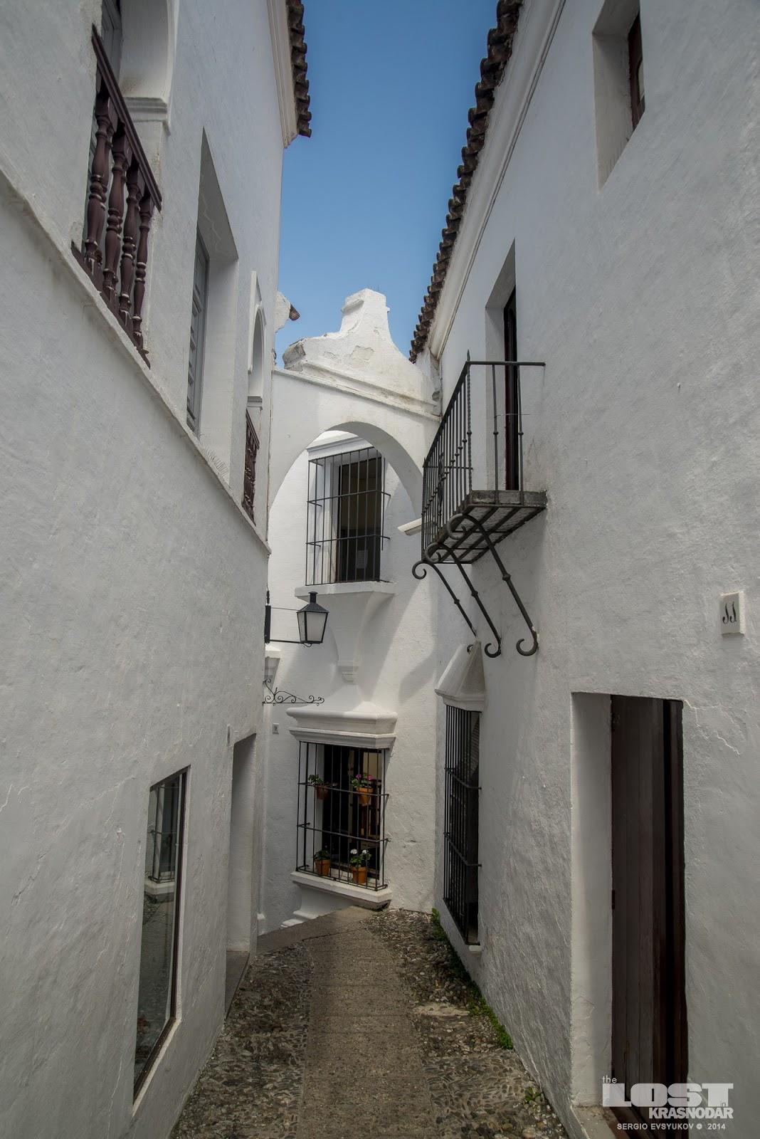 arcos street in Poble Espanyol