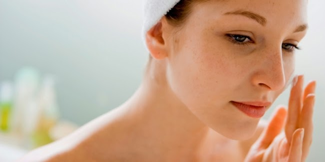 daftar bahan herbal alami menghilangkan noda dan flek hitam di muka wajah