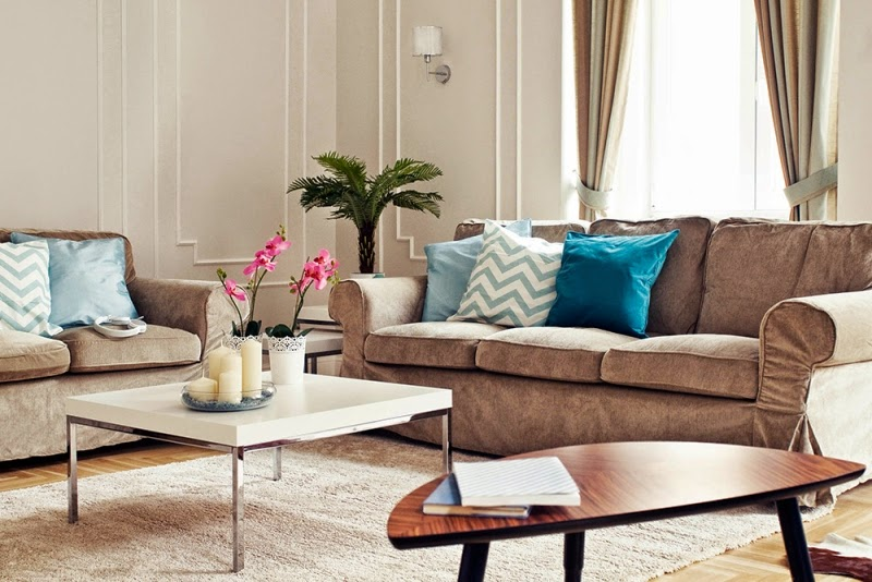 Hogares frescos apartamento restaurado del siglo 19 con - Decorar salon clasico ...