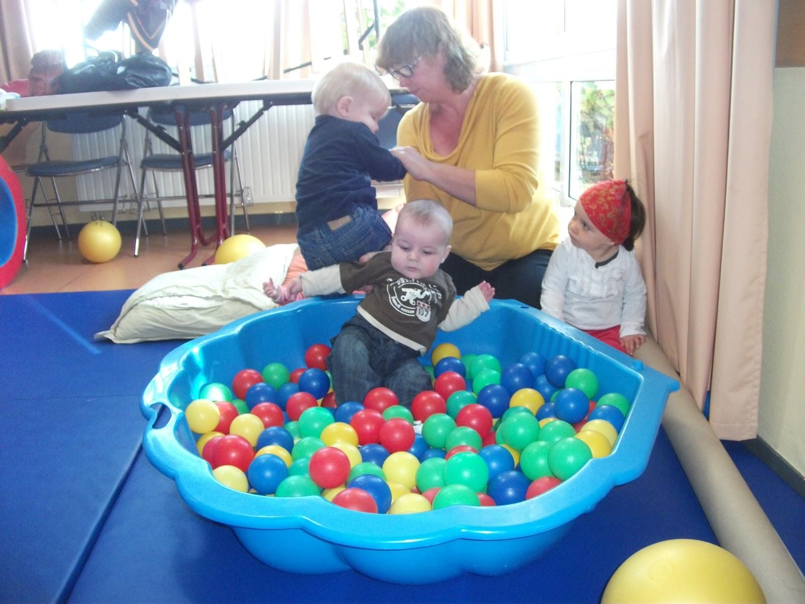 Nounoulen la piscine balles for Piscines a balles