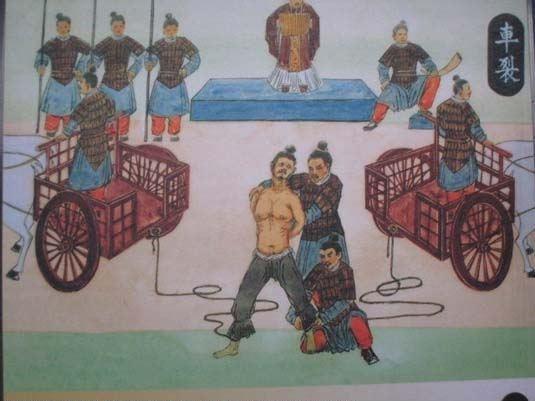Hình phạt phụ nữ ngoại tình ghê sợ xưa và nay 11