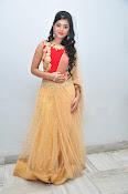 yamini bhaskar latest glam pics-thumbnail-3